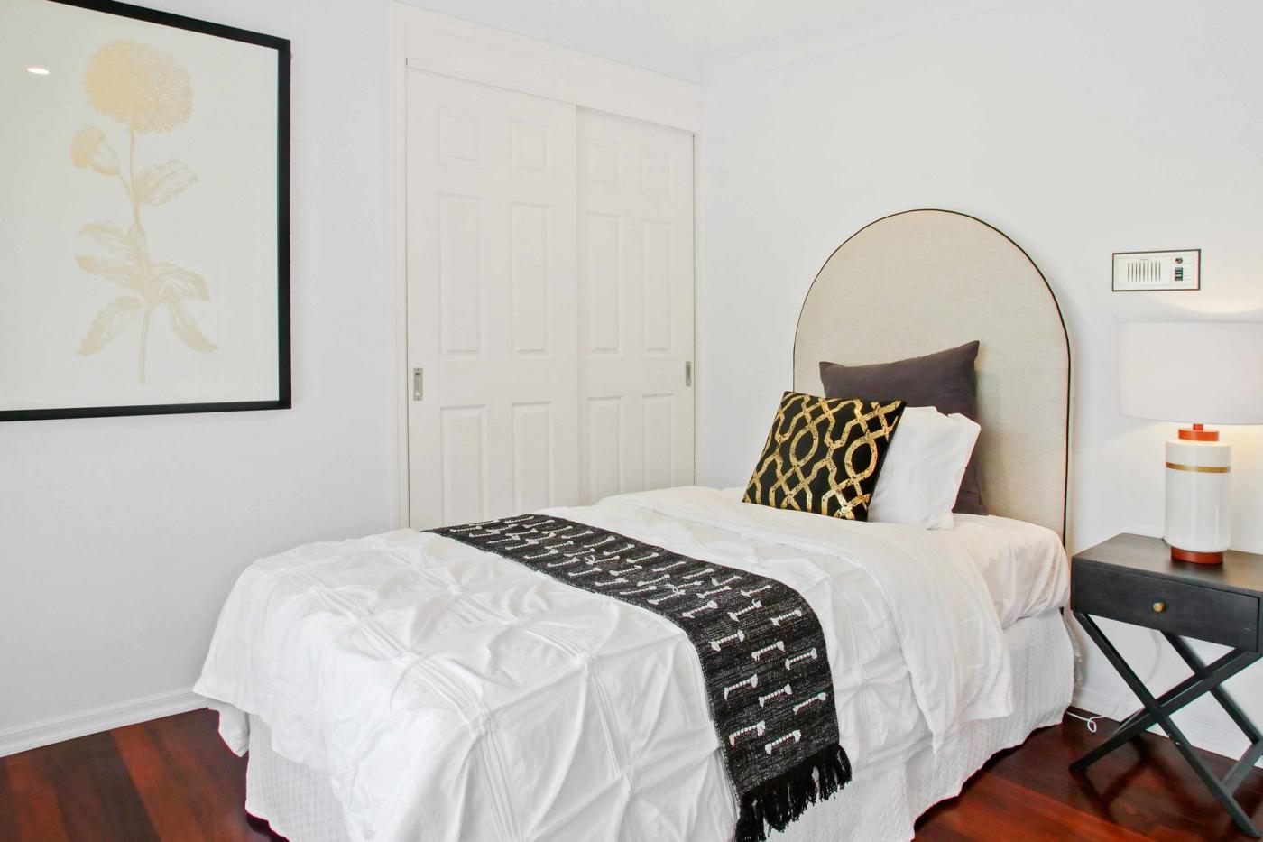 10 Donegal Crescent, Sorrento, Qld 4217 Brochure - M-Motion Real Estate