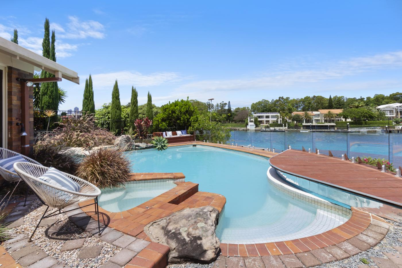 10 Donegal Crescent, Sorrento, Qld 4217 - M-Motion Real Estate Suzy Kirk.jpg