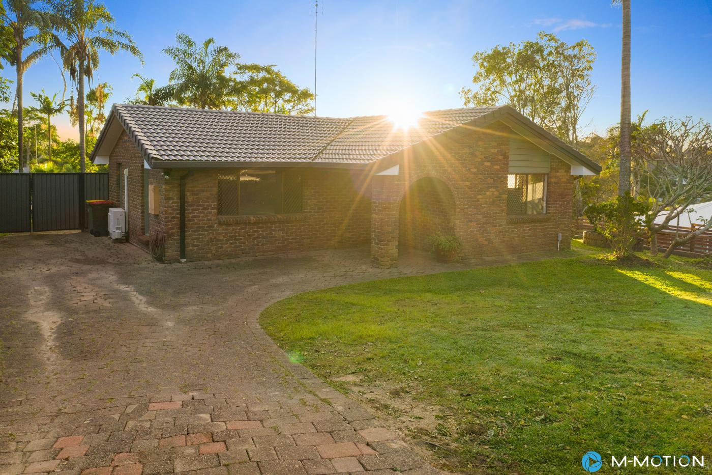 6 Dearne Place, Cararra, M-Motion Real Estate James Ford